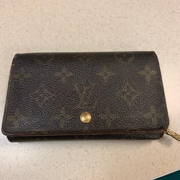 Louis Vuitton Handbags - Louis Vuitton Porte Tressor wallet